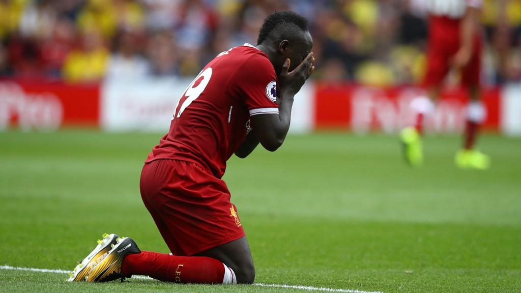 SKUFFENDE: Liverpool fikk en dårlig start på den nye sesongen. Her er det Sadio Mane som depper.