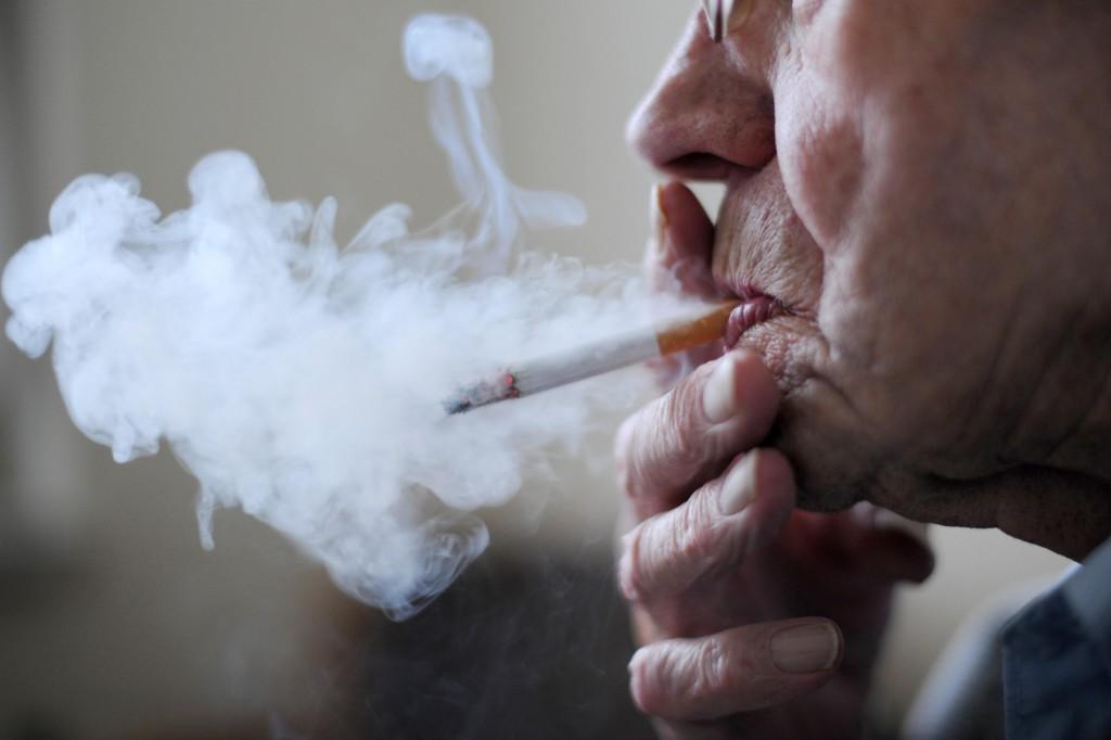 Ifølge forskningsoverlege Charlotta Pisinger ved Forskningscenter for Forebyggelse og Sundhed, er håpet at dette vil motivere røykerne som de tradisjonelle røyke-stopp tiltakene ikke har hjulpet.