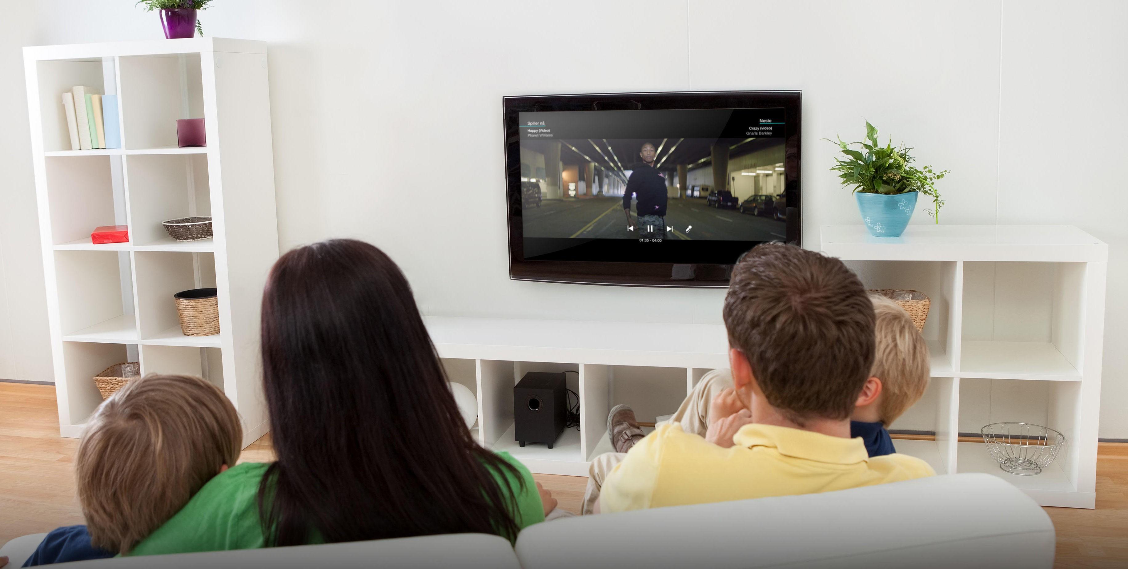 Om man ikke har skaffet seg en digital dekorder, eller TV med integrert kortleser, blir det bare snø på skjermen for Canal Digitals Kabels kunder fra 18. september.