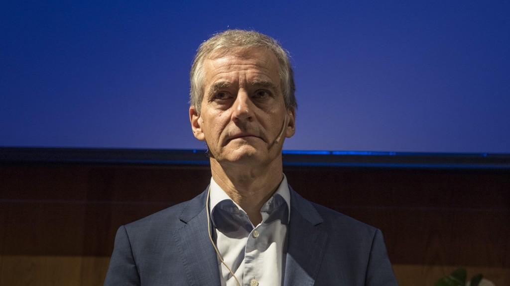 VG skriver torsdag kveld at Arbeiderpartiet skal ha hyret advokat Christian Reusch i et siste forsøk på å stoppe en kritisk reportasje på NRK om Jonas Gahr Støres salg av andeler i et eiendomsprosjekt i juni i år.
