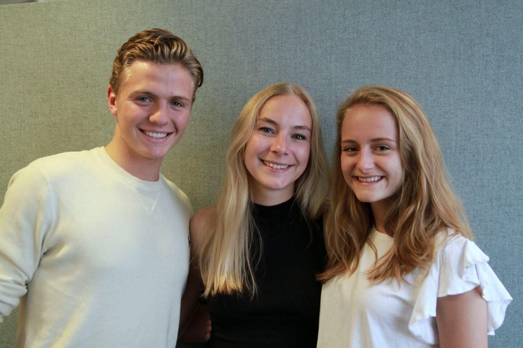 Håkon Stavrum og Marthe Høgden (t.h.) intervjuer Linn Elise Øhn Mehlen, leder i Rød Ungdom.