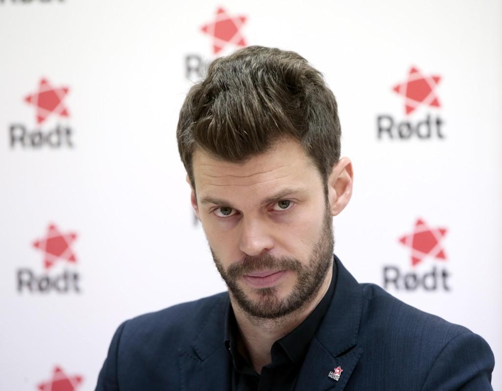 LITE IMPONERT: Partileder i Rødt Bjørnar Moxnes er ikke imponert over kritikken fra finansmann Jan Petter Sissener.