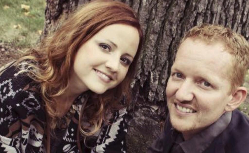 OFRET LIVET: Carrie DeKlyen og ektemann Nick DeKlyen avbildet i oktober 2013. Hun døde 7. september.