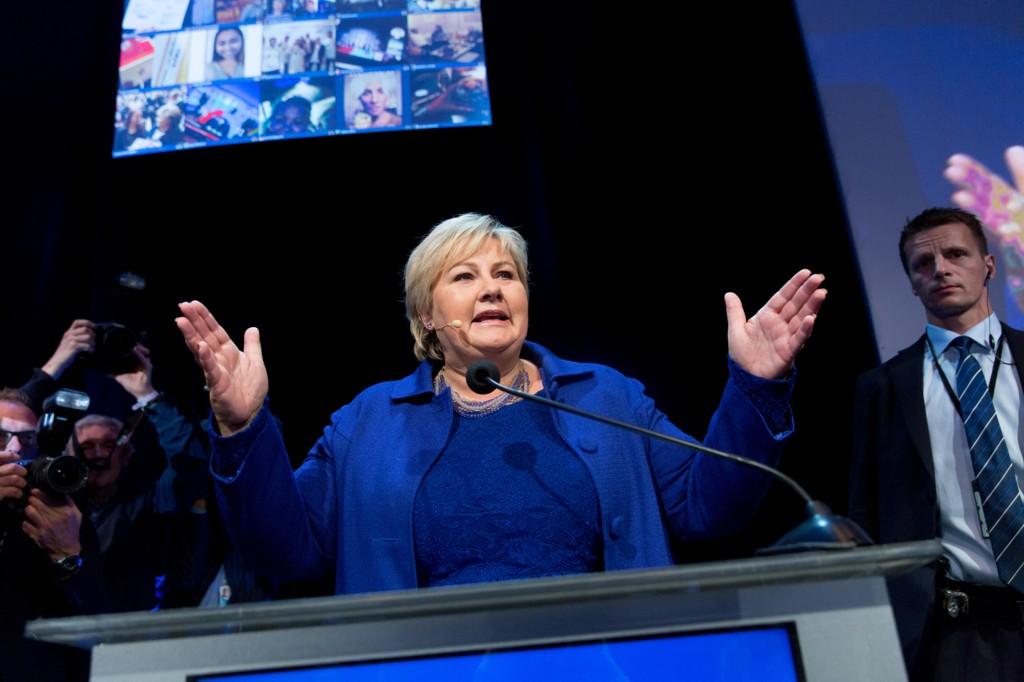 Erna Solberg (Høyre) fortsetter som landetrs statsminister de neste fire årene om ikke Venstre eller KrF spenner bein på henne.