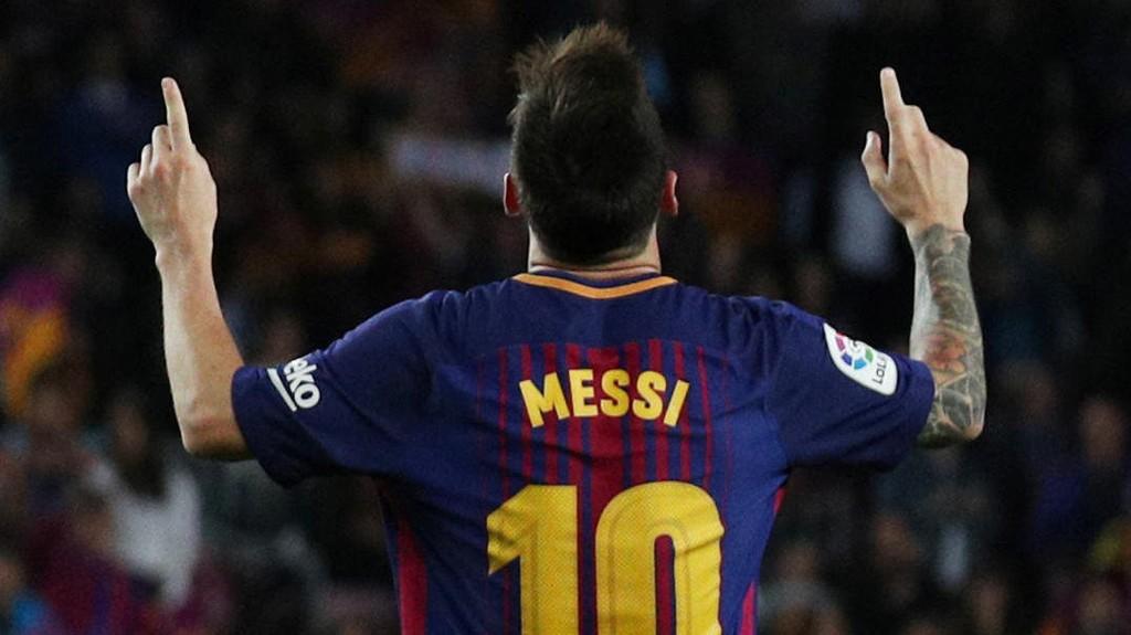 Lionel Messi jubler etter en av sine tre scoringer i lørdagens seriekamp mot Espanyol.
