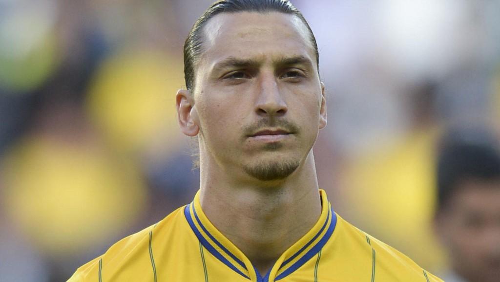 """Sveriges Zlatan Ibrahimovic skal dele ut sin egen pris under den svenske fotballgallaen. Prisen «Nummer 10"""" skal gå til den som gjør det lille ekstra for svensk fotball."""