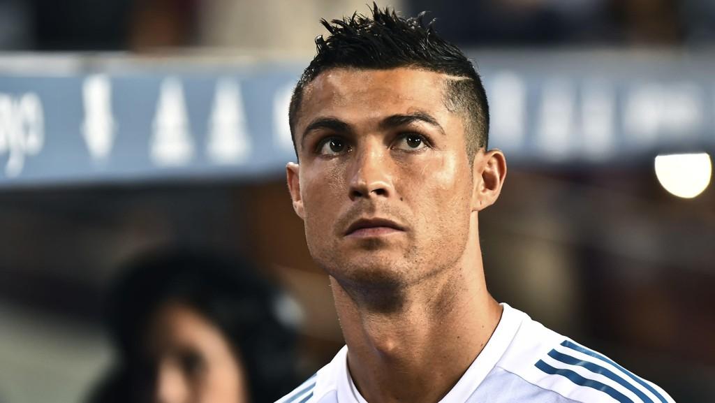 En spillesugen Cristiano Ronaldo er tilbake for Real Madrid i kveldens hjemmekamp mot Apoel Nicosia.
