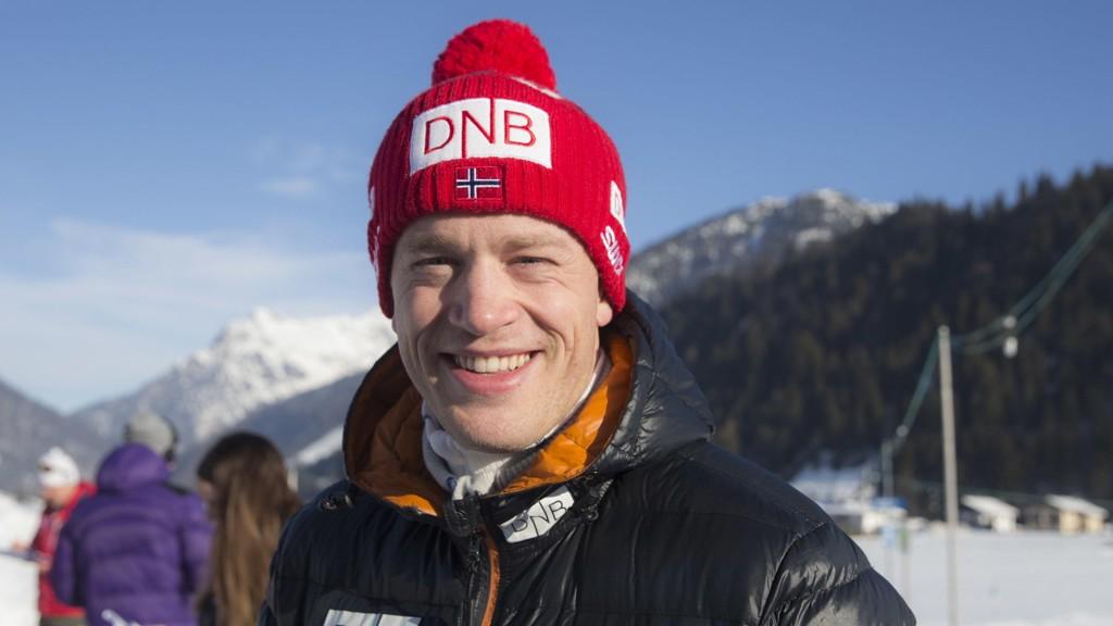 SMILER PÅ HJEMMEBANE: Tarjei Bø har fått kjæreste.