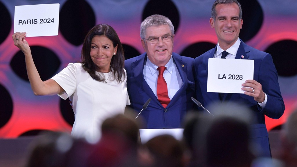 Paris ble tildelt OL i 2024, mens Los Angeles for OL i 2028.