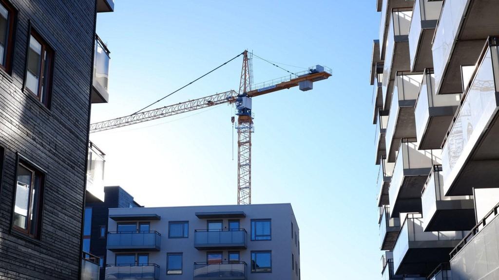 NEDGANG: Salg av nye boliger gikk kraftig ned i august 2017, sammenlignet med august 2016. Illustrasjonsfoto fra Gartnerløkka på Løren i Oslo.