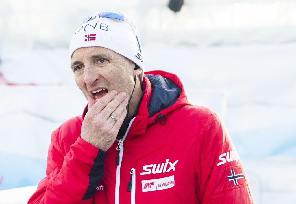 - TREKKER SEG: Skiskyttersjef Morten Aa Djupvik.