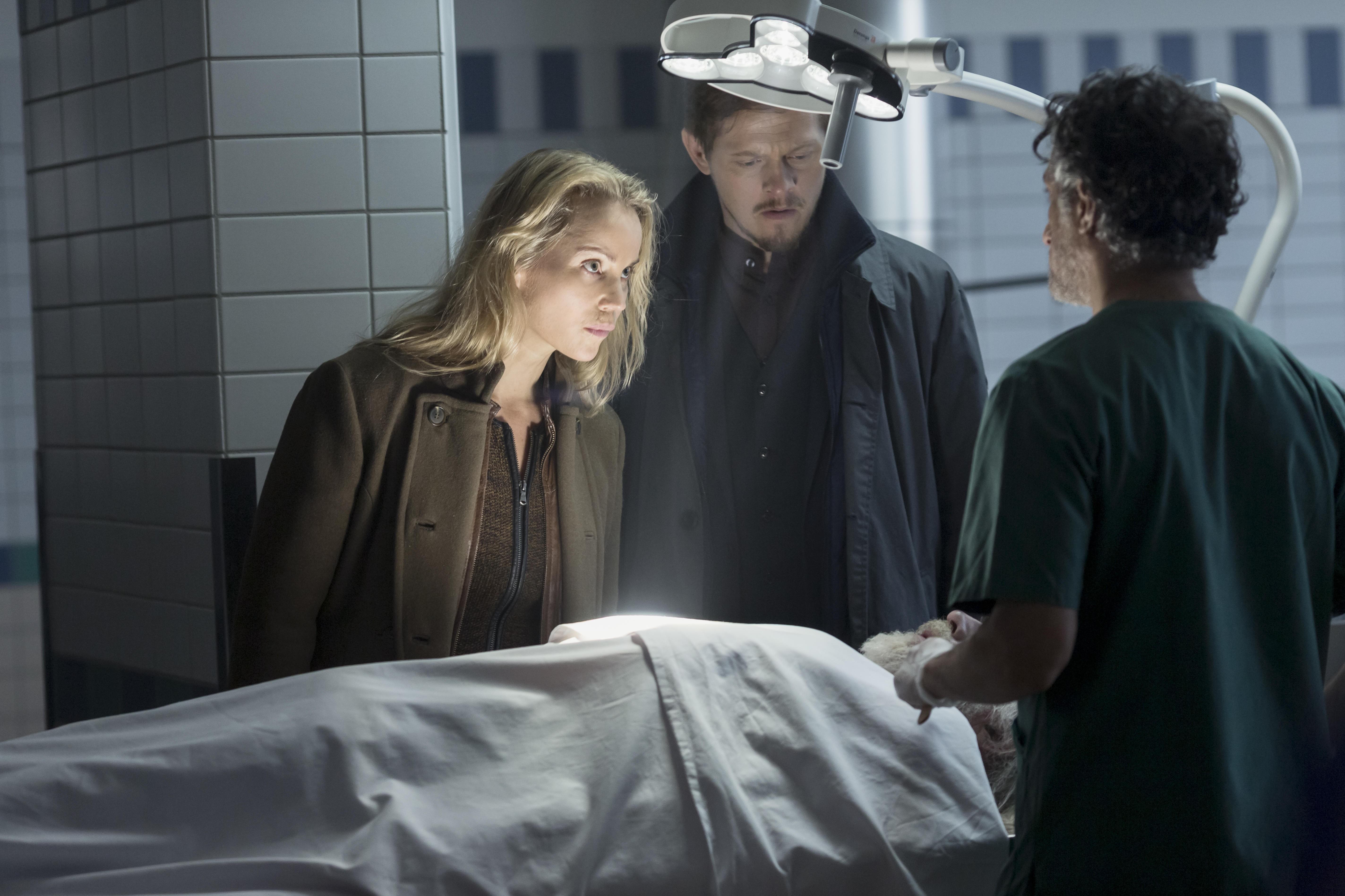 SISTE SESONG: Saga Norén (Sofia Helin) og Henrik Sabroe (Thure Lindhardt) er tilbake i en fjerde og siste sesong av den populære serien «Broen». Her et bilde fra sesong tre.