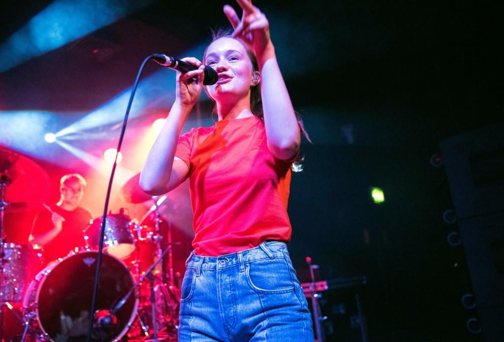 Sigrid Solbakk Raabe på scenen i London i september.