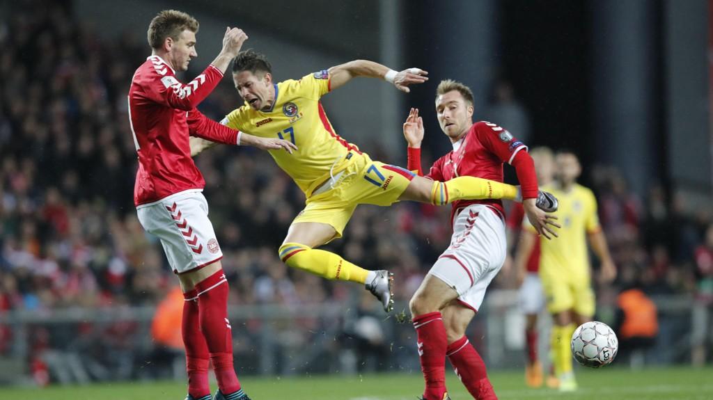 DUO: Nicklas Bedntner og Christian Eriksen spilte hovedrollene for Danmark i 1-1-kampen hjemme mot Romania.