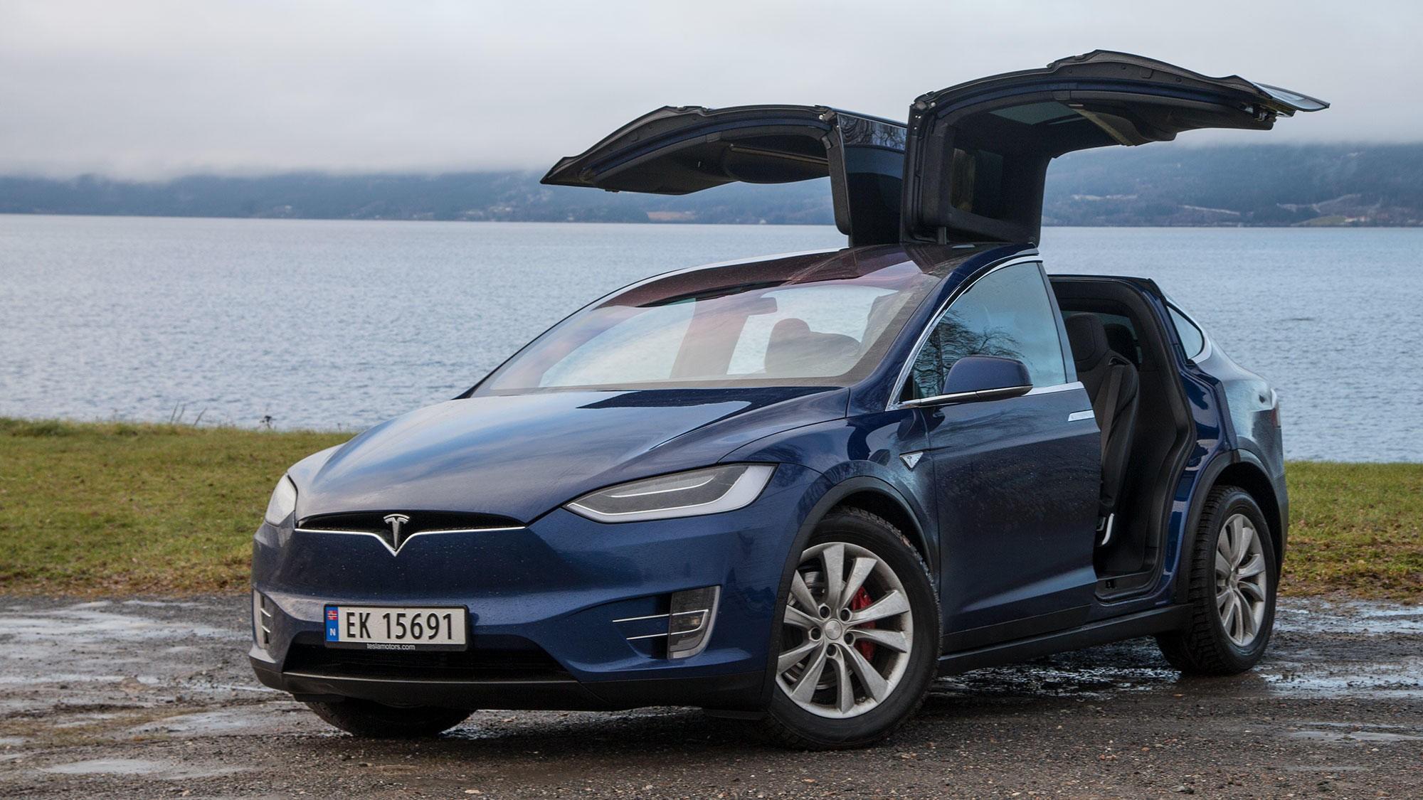 Tesla Model X er den store taperen når bilavgiftene legges om. Det er én av to elbilmodeller som nå må betale engangsavgift på grunn av høy vekt.