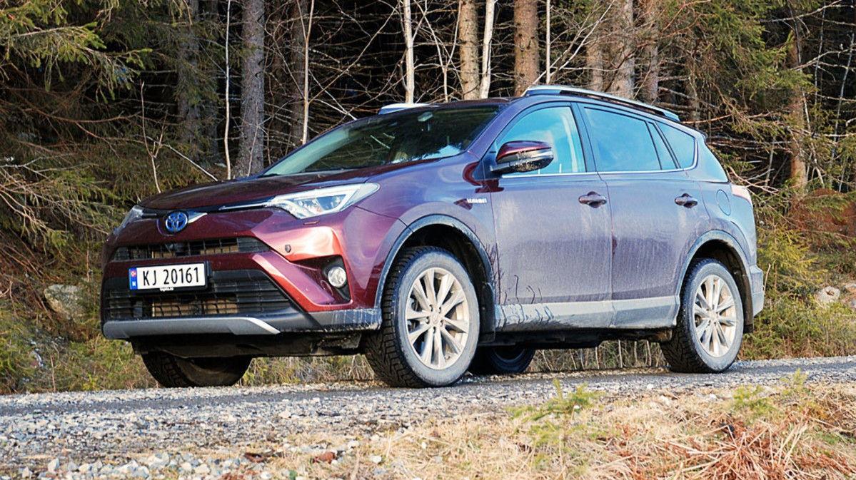 Toyota RAV4 er en av Norges mest populære biler, men vil bli 22.500 kroner dyrere neste år på grunn av økte avgifter.