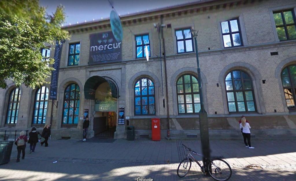 MERCUR-SENTERT i Trondheim er evakuert etter funn av mistenkelig gjenstand.