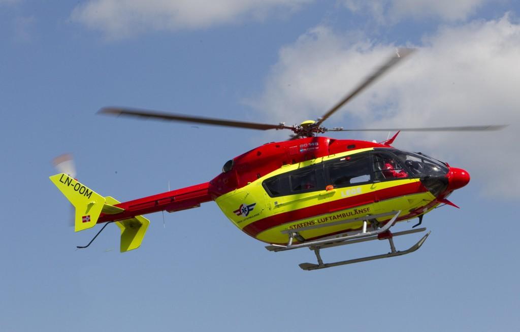 KOLLISJON: To er fraktet til sykehus etter en alvorlig bilulykke på fylkesvei 44 i Rogaland.