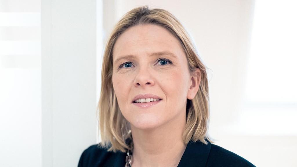 IKKE FLERE: Innvandrings- og integreringsminister Sylvi Listhaug (Frp) vil ikke ta inn flere kvoteflyktninger til Norge selv om kommunene har overflødig kapasitet. Hun mener kommunene heller må jobbe for å integrere allerede ankomne flyktninger først.