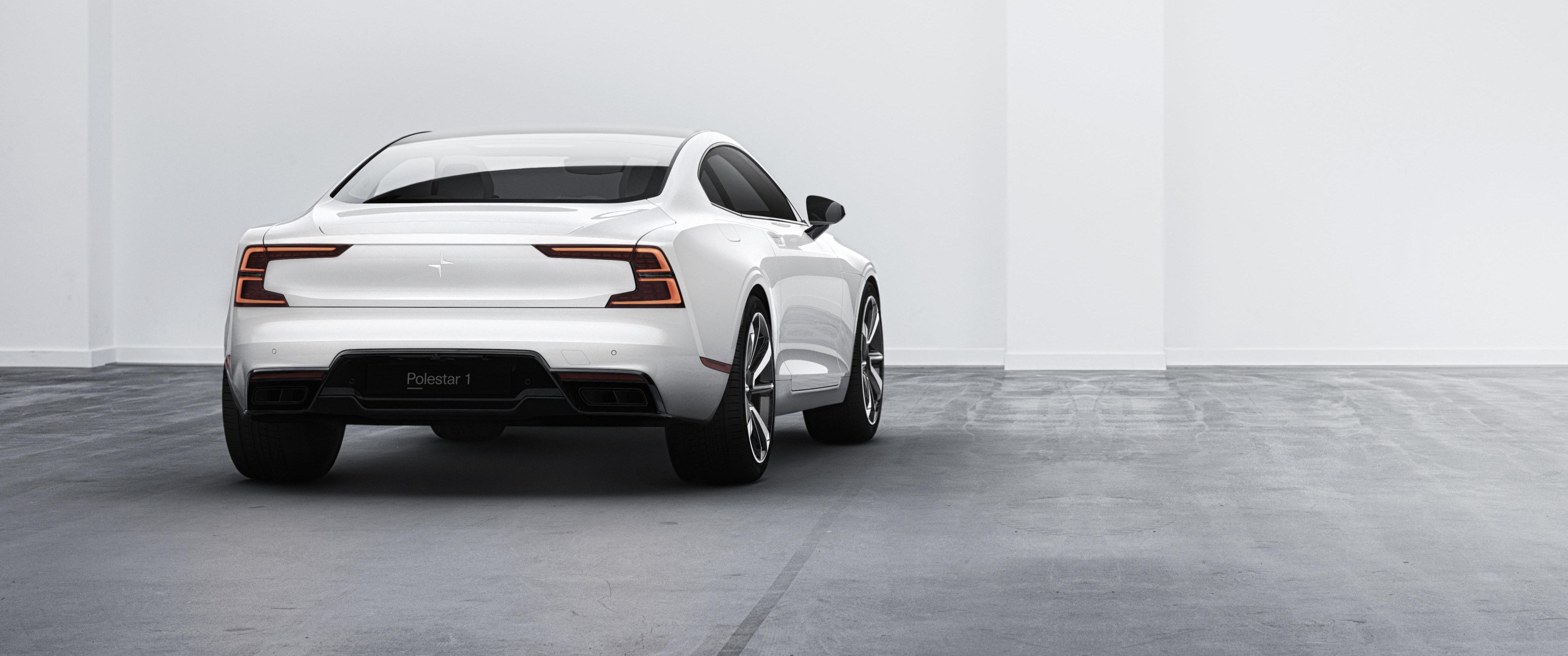 POLESTAR 1: Den nyslåtte bilprodusenten Polestar har annonsert Polestar 1, en ladbar hybrid med en startpris på rundt 1,2 millioner kroner. Samtidig annonserer de Polestar 2 - en helelektrisk bil som skal konkurrere direkte med Tesla Model 3.