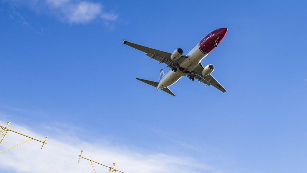 Bergen til New York med Norwegian koster 1.773 kroner og billettene fra Bergen til Los Angeles med KLM ligger på 2.857 kroner. Fra Oslo til Los Angeles med Air Canada koster en billett 2.630 kroner. På bildet: En Boeing Dreamliner fra Norwegian.