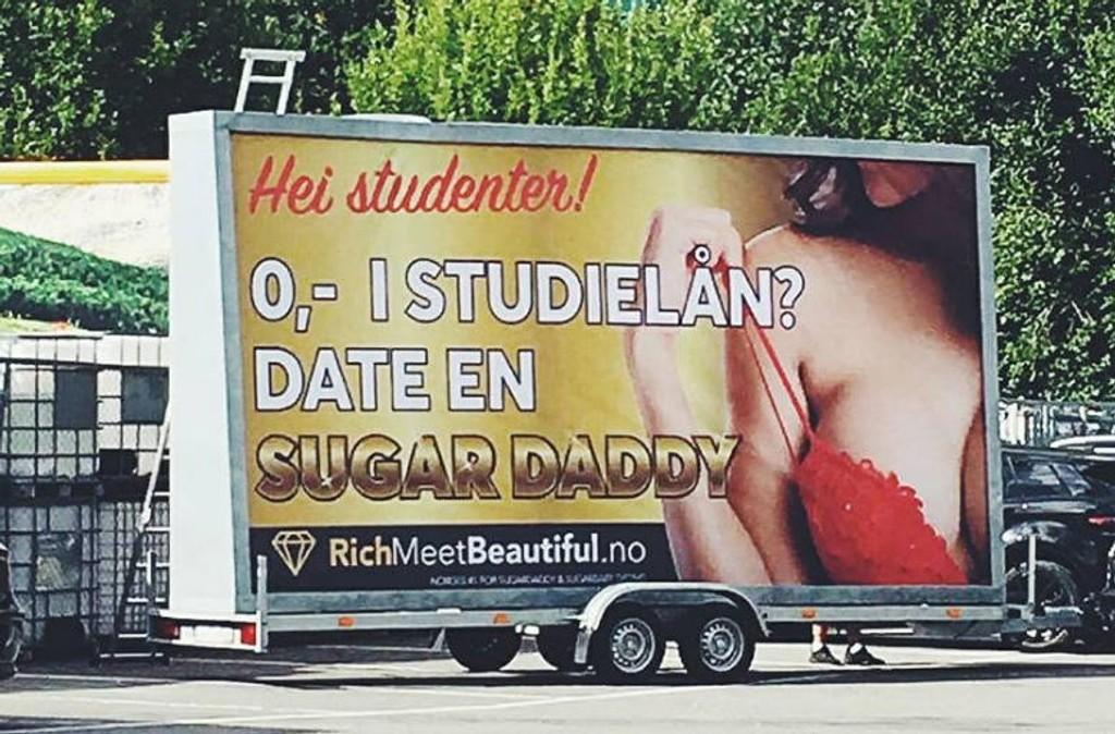 REAKSJONER: Da reklameplakatene for datenettstedet dukket opp i Norge, reagerte mange negativt. Nå skaper selskapet og reklamen også furore i Paris.
