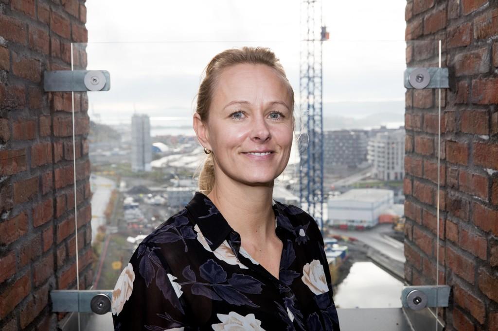 STORTIVES: Nestleder Elisabeth Haug i Vipps lar seg ikke lett vippe av pinnen. Her fra takterrassen i Barcode.