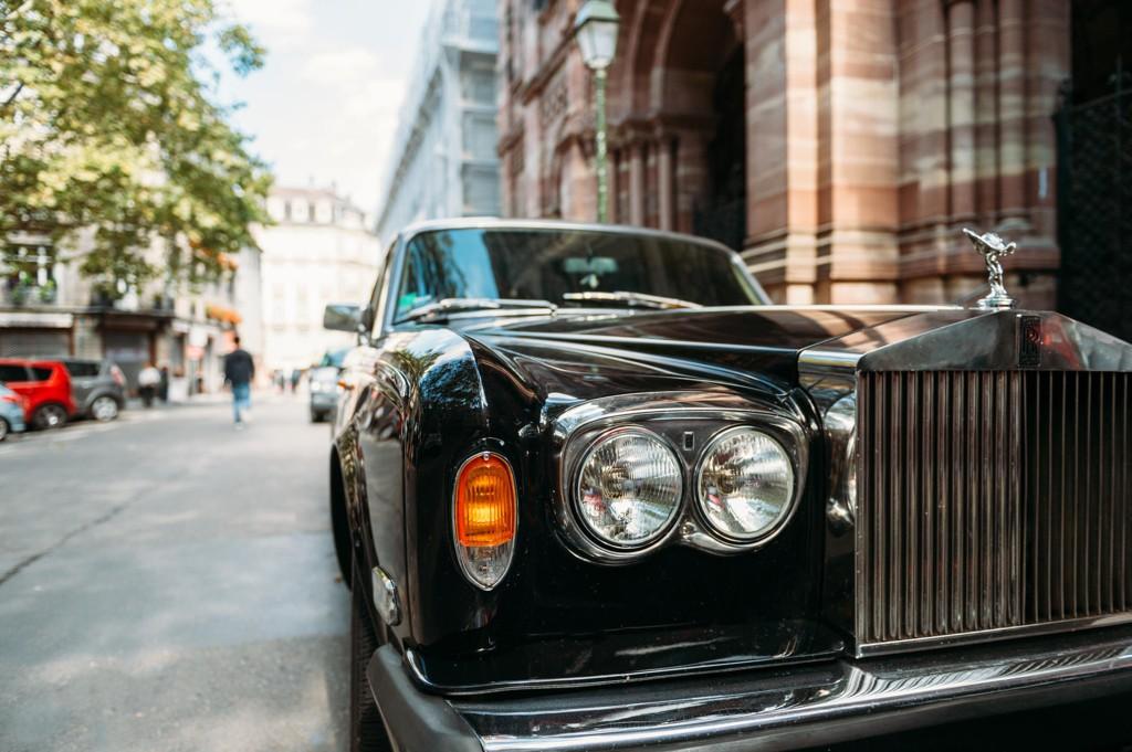Hvis målet er å bli rik, så bør det skje før man fyller 45. Hvis ikke kan du like gjerne slutte å forsøke. /Foto: iStockphoto.com