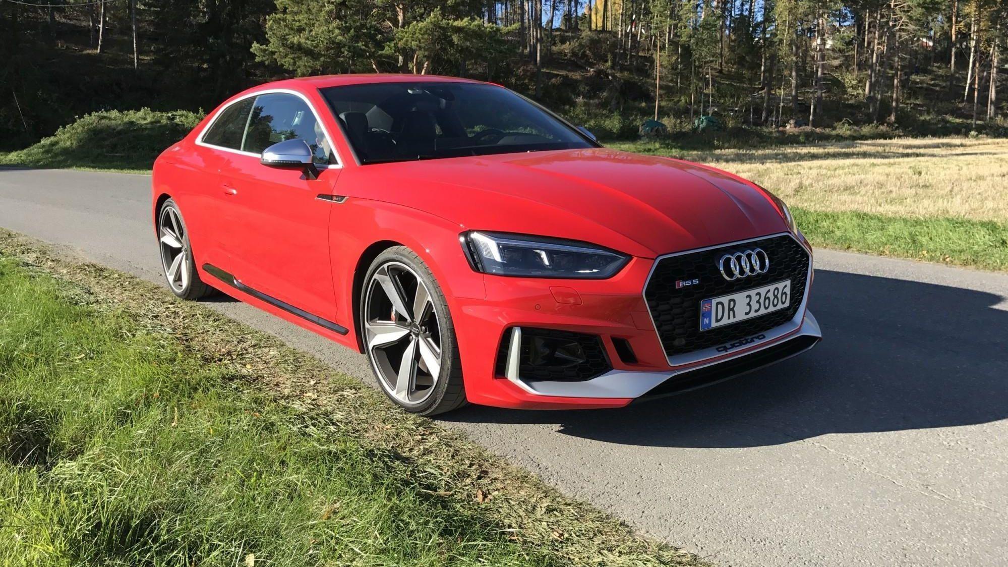 Audi RS5 er sportsbil for deg som ikke vil gi helt slipp på brukervennligheten i hverdagen. Her får du god komfort, bra bagasjeplass, fire seter, firehjulsdrift – og ikke minst: 450 hk!