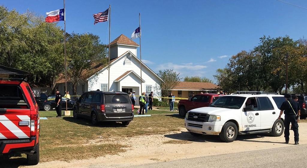 ÅPNET ILD UNDER GUDSTJENESTE: En mann gikk inn i baptistkirken First Baptist Church i Sutherland Springs i Texas søndag og åpnet ild.