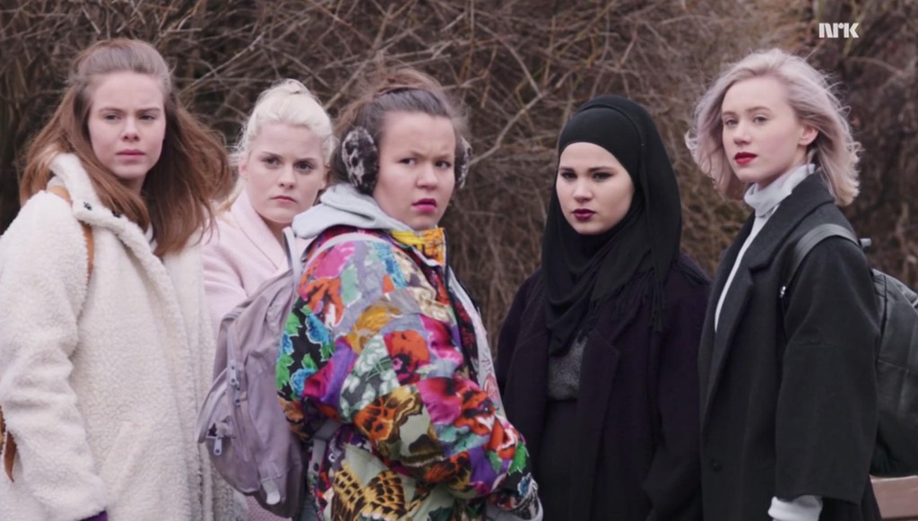 Eva, Vilde, Chris, Sana og Noora slik vi kjenner dem. Nå har Julie Andem bekreftet at hun kommer til å regissere den amerikanske versjonen av Skam.