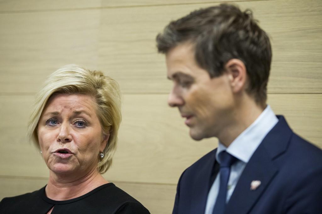 SSB: Finansminister og FrP-leder Siv Jensen og KrF-leder Knut Arild Hareide. Sistnevnte er overrasket over tidligere SSB-sjef Christine Meyers påstander om innblanding fra Finansdepartementet.