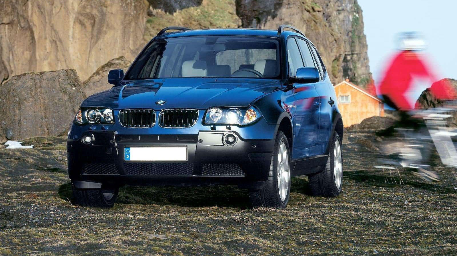 BMW X3 kom på markedes første gang som 2004-modell. Nå begynner de første årgangene å bli rimelige i bruktmarkedet. Hvis du er ute etter brukt X3 er det flere hundre eksemplarer å velge mellom i det norske markedet.