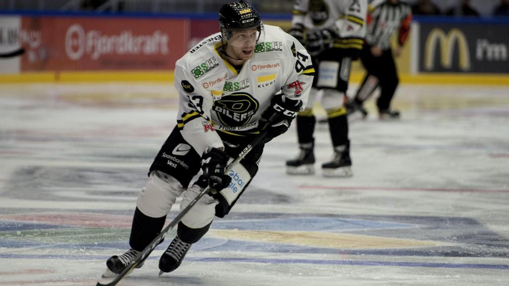 Stavangers Markus Søberg scoret tre mål da Frisk Asker ble slått 5–1 på egen is i eliteserien ishockey tirsdag.