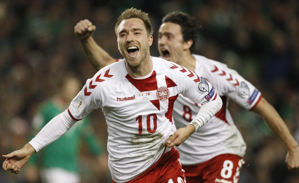 DANMARKS HELT: Christian Eriksen scoret tre mål mot Irland da Danmark sikret seg en plass i neste års VM i Russland.