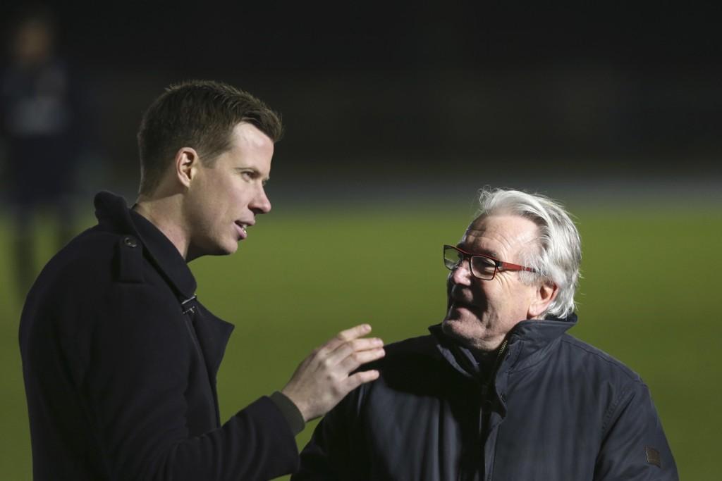 OPPGITT: Jesper Mathisen (venstre) sier Lars Lagerbäck må få rikelig med tid, men er skuffet over det offensive spillet etter tapet mot Slovakia. Her sammen med TV 2-kollega Davy Wathne.