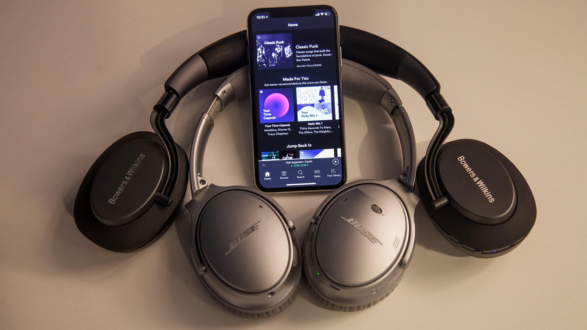 Både Bose og B&W er ute med nye trådløse, støyreduserende hodetelefoner, henholdsvis QC35 II og PX.