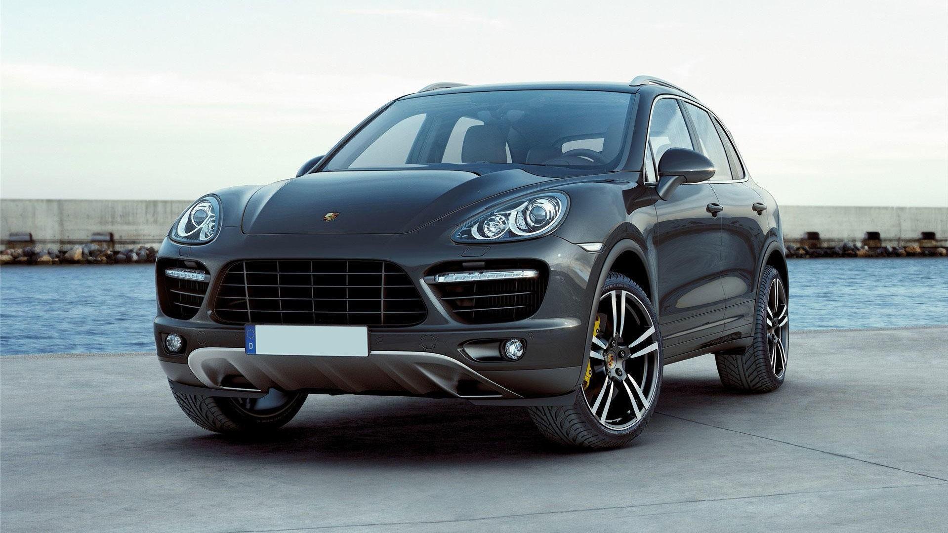 Porsche Cayenne av utgående generasjon begynner å bli svært gunstig i bruktbilmarkedet. Du får den nå helt ned i 449.000 kroner.