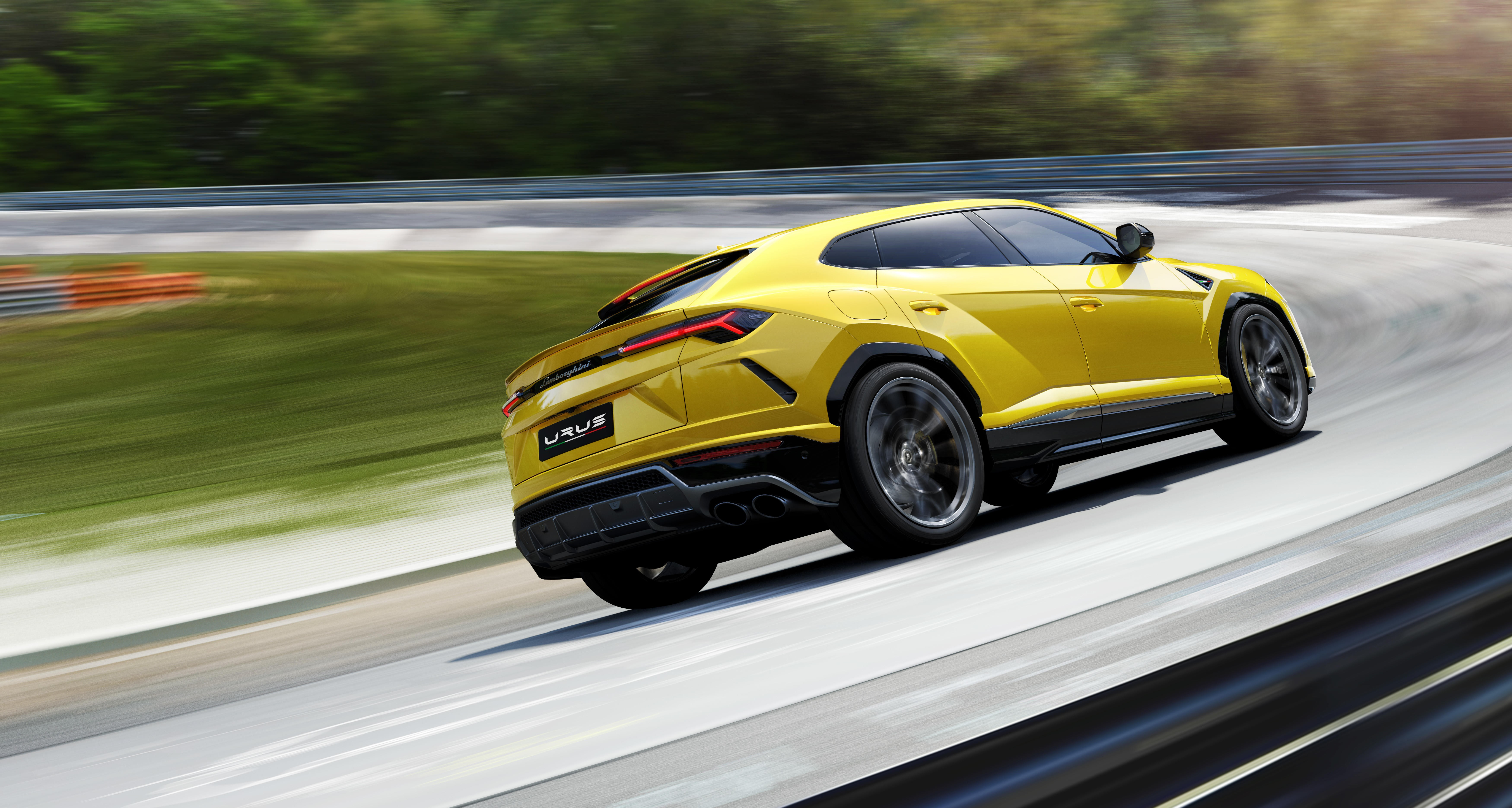 Lamborghini Urus skal være svært kompetent til banekjøring, i tillegg til at den er en fullblods SUV.