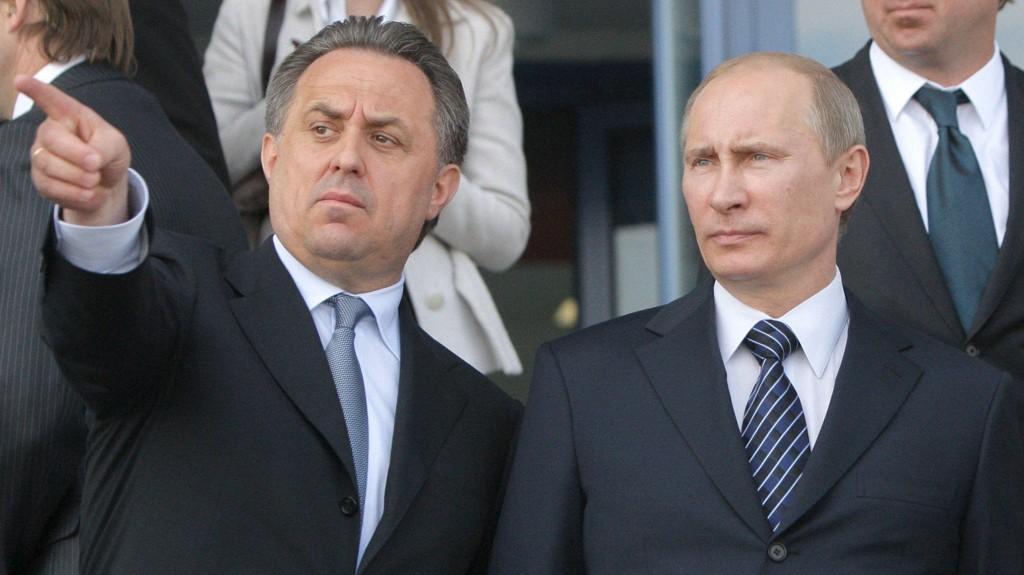 TENKETID: Vladimit Putin ønsker å vente med å kommentere Russlands OL-utestengelse. Her sammen med Vitalij Mutko.