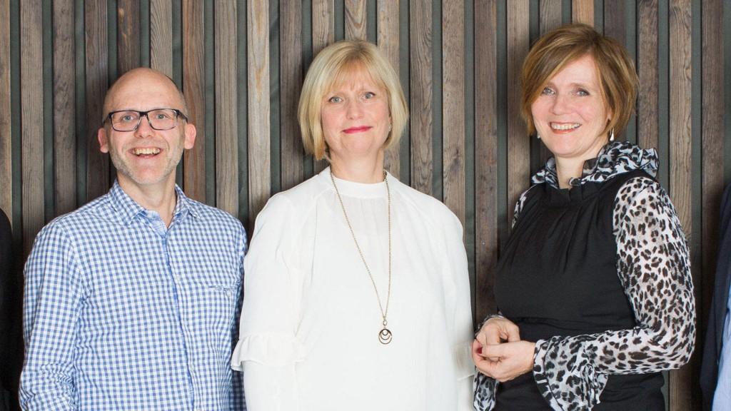 Her er Kjetil Telle sammen med fagdirektør Lise Dalen Md Mahon og avgått SSB-direktør Christine B. Meyer.