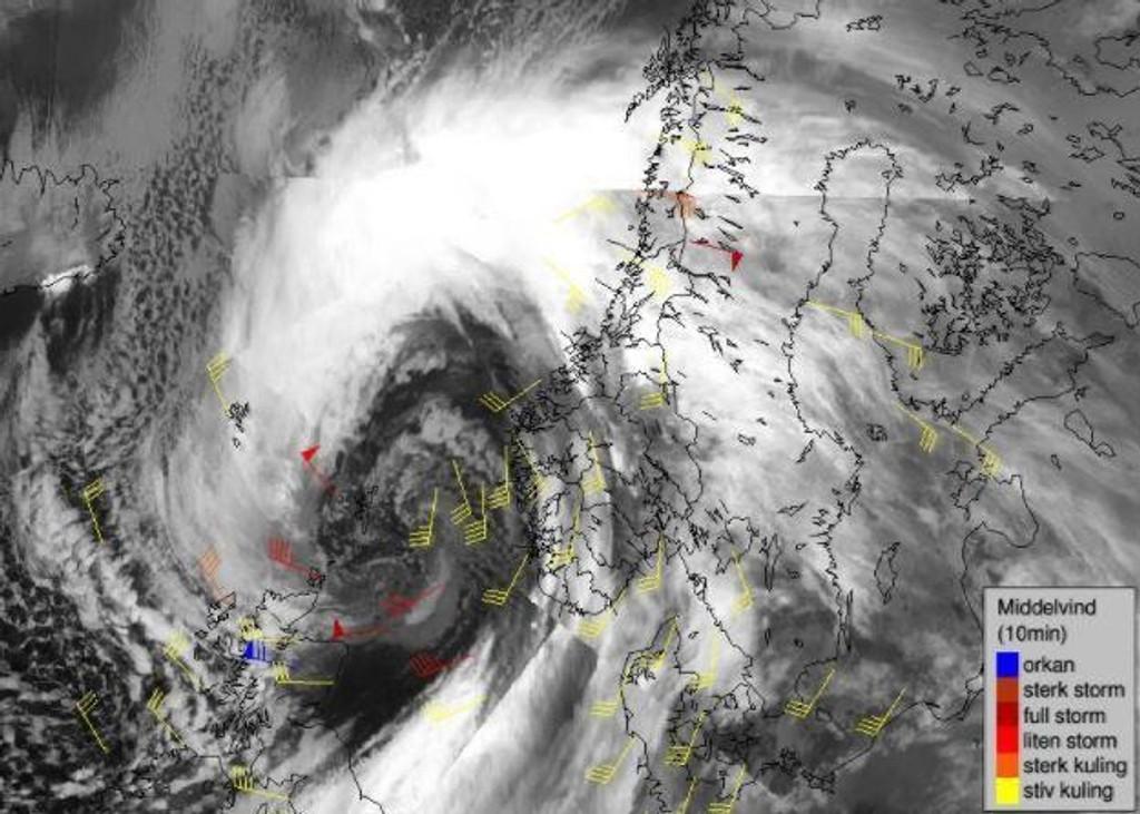 VÆRKART: Værkartet viser at det brygger til storm flere steder i Norge.