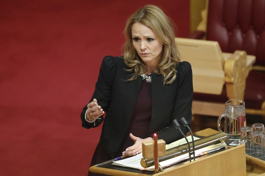 Kulturminister Linda Hofstad Helleland under spørretimen i Stortinget.