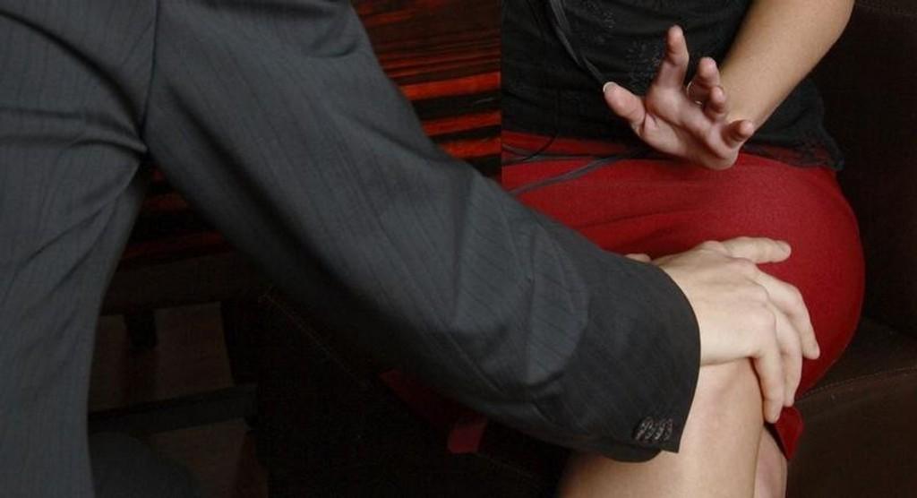 Forsker ved Statens arbeidsmiljøinstitutt (Stami) mener det er bra at Norge plasserer seg på europatoppen i innrapportert seksuell trakassering. - Lave tall på trakassering er sjeldent et godt tegn, sier forskeren,