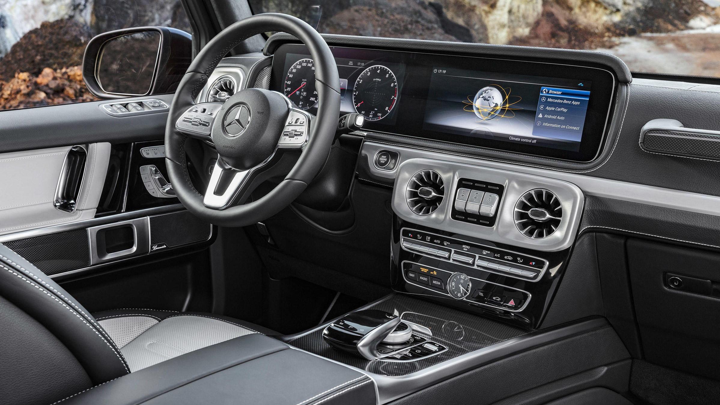 Slik ser det ut inne i helt nye Mercedes G-klasse. Den skal debutere rett over nyttår.