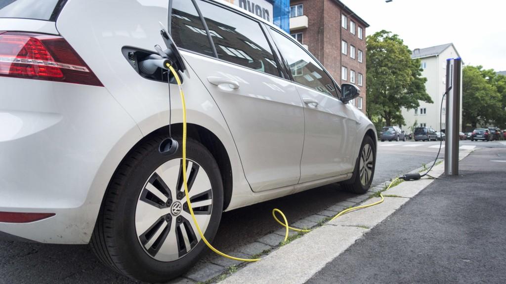 ESA godkjenner tre år med nullmoms på elbiler.