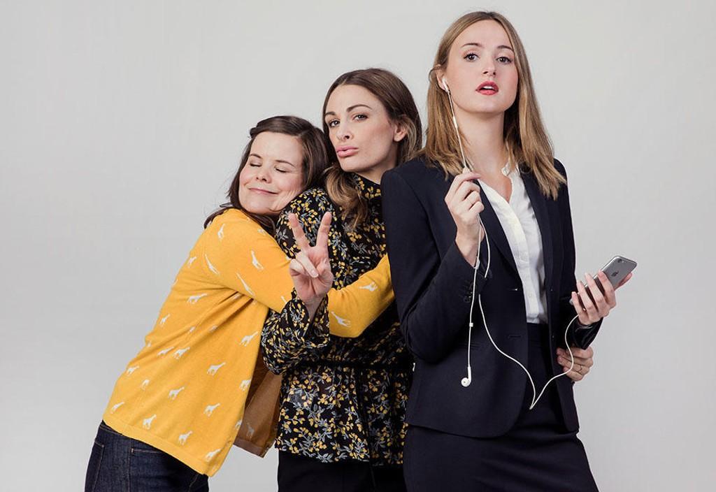 Ida (Kjersti Tveterås), Camilla (Jenny Skavlan) og Siri (Renate Reinsve). Tre venninner fra folkehøyskolen på vei inn i voksenlivet.