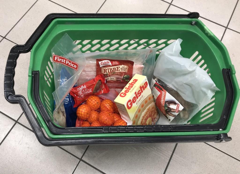 KAMP: Ribbe, pinnekjøtt og lutefisk er blant produktene som er blitt enda billigere denne uken. Her fra Kiwi.