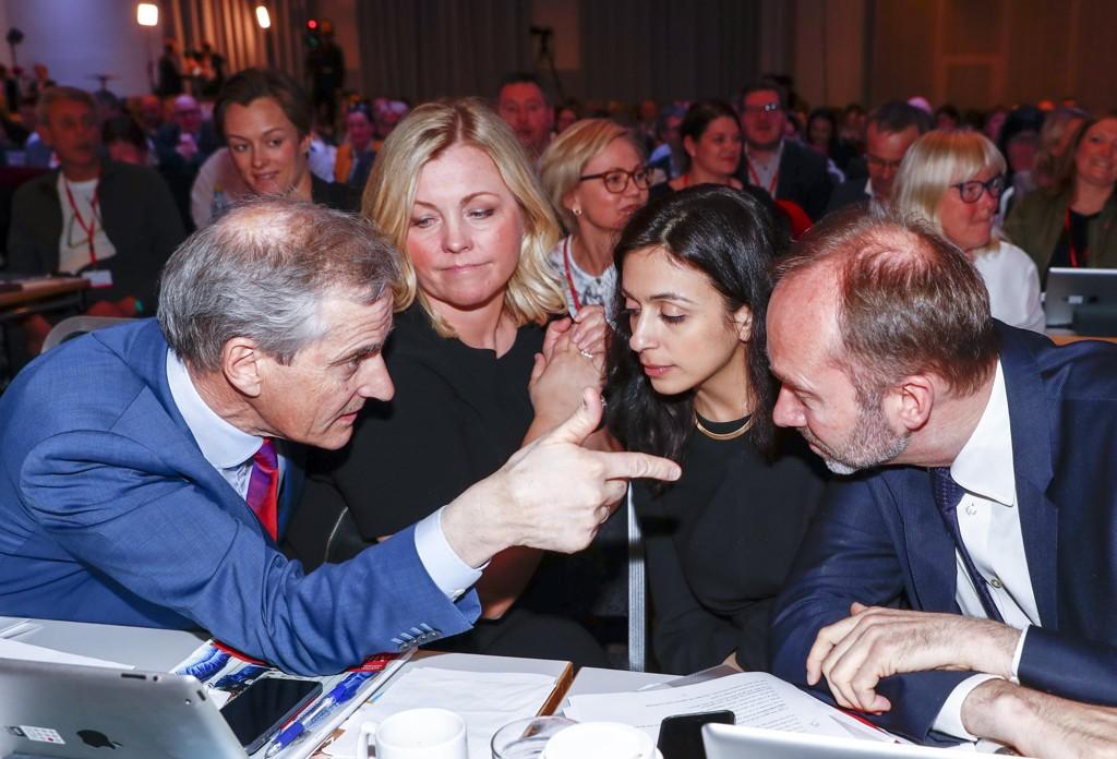 PÅ HVER SIN SIDE:Partileder Jonas Gahr Støre t.v, saksbehandler anklager mot nestleder Trond Giske (t.h.) uten å informere partisekretær Kjersti Stenseng, Den andre nestledere, Hadia Tajik, har holdt en lav profil i saken.
