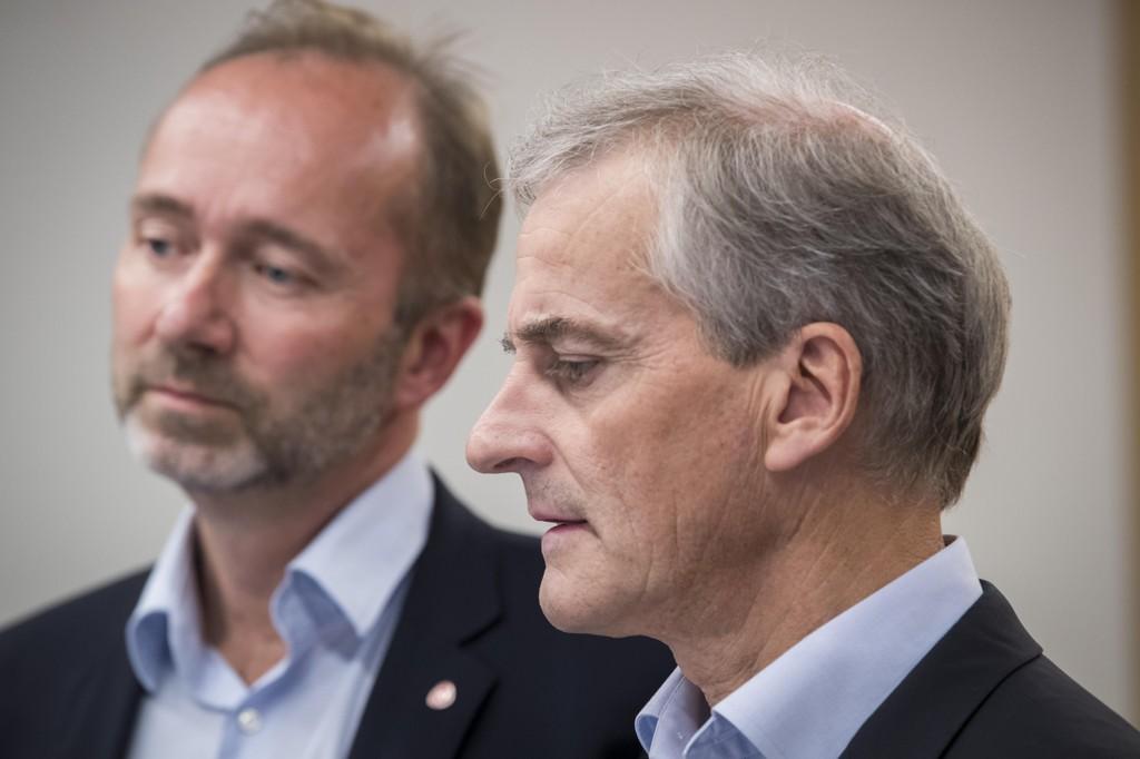 Nestleder i Ap, Trond Giske, og partileder Jonas Gahr Støre møttes torsdag. Giske beklager etter møtet med Støre.